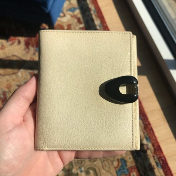 Gucci Handbags - Gucci Leather Bifold Wallet